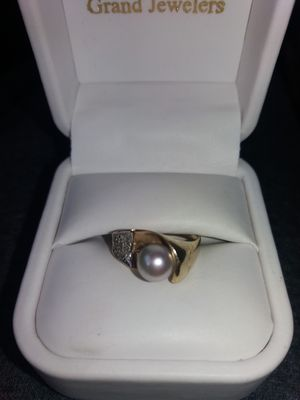 14k Diamond and Pearl Ring for Sale in Corunna, MI