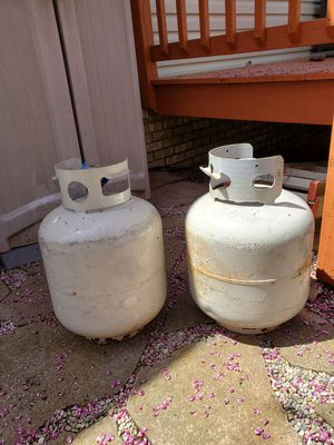 Two 15 Lb Empty Propane Tanks for Sale in Broadview Heights, OH