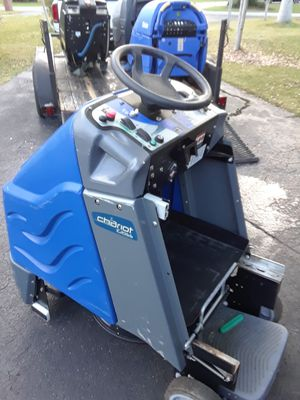 Windsor Kärcher Chariot igloss Commercial stand-up ride-on Floor cleaner scrubber burnisher, check all pics for Sale in Miami, FL
