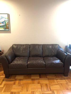 FREE Leather sofa & loveseat for Sale in Palo Alto, CA