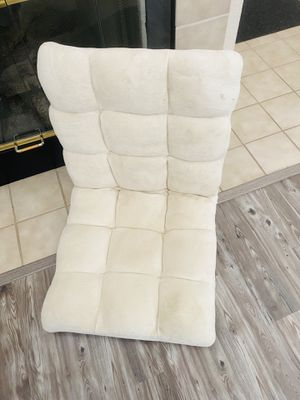 Dog couch. Floor couch. Cover can remove. for Sale in Gilroy, CA