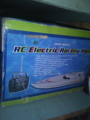 RC electric boat. Still new n box for Sale in San Angelo, TX