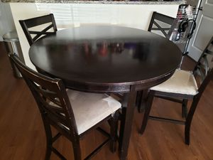Dining table for Sale in Columbia, MD