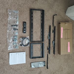 TV wall mount Universal fits 32 to 80 inch..FREE HDMI CABLE INCLUDED for Sale in Plano, TX