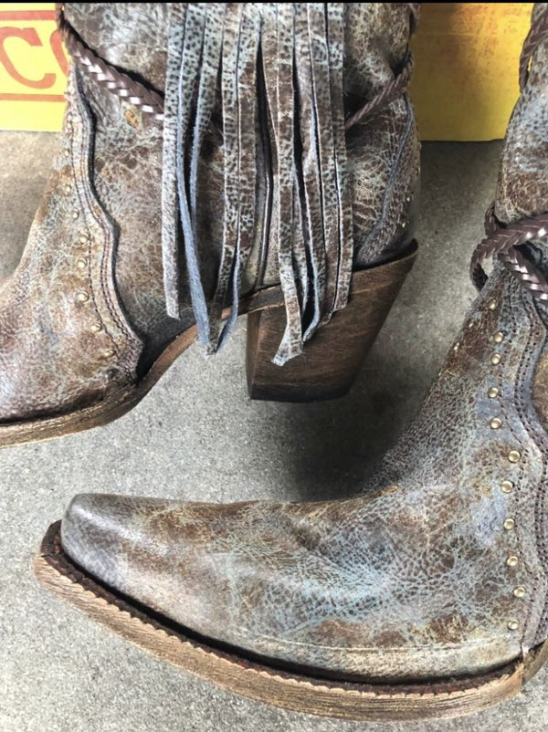 Corral Snip-toe Cowgirl Boots w/ Fringe. 9W (runs large). NWT and box.