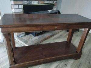Console table and coffee table set for Sale in Tracy, CA