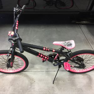 Huffy Girls Bike for Sale in Glen Ellyn, IL