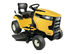 Cub Cadet Riding Lawn Tractor for Sale in Las Vegas, NV