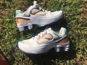 Nike Shoe Enigma, Women's 7.5 for Sale in Los Angeles, CA