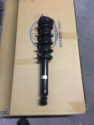 2017 - 2019 INFINITI Q50 RWD FRONT Right FT SIDE SHOCK STRUT SPRING ABSORBER for Sale in Miramar, FL