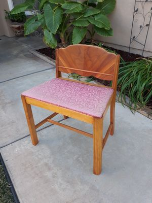 """ANTIQUE VANITY / CHANGING STOOL (23""""W × 15.5""""D × 27""""H) for Sale in Corona, CA"""