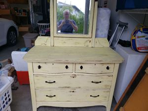 Beautiful Antique dresser for Sale in Oregon City, OR