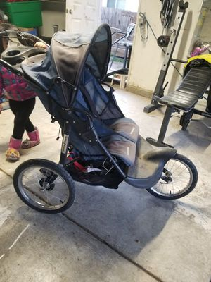 Twin stroller for Sale in Stockton, CA