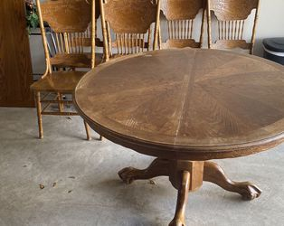 Round Wooden Table with set of Chairs for Sale in Houston, TX