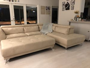 Sectional sofa and ottoman for Sale in Miami, FL