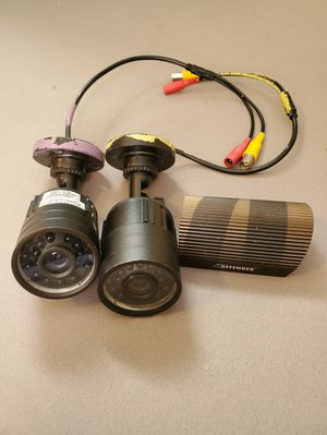 2 HiRes Defender outdoor security cameras for Sale in Satellite Beach, FL