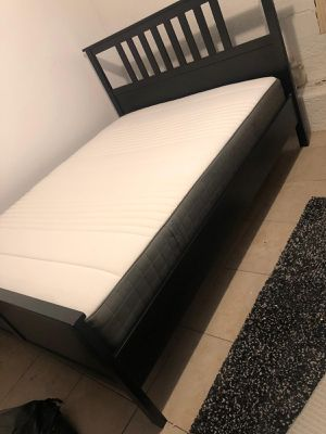 Bed frame and mattress queen for Sale in San Diego, CA