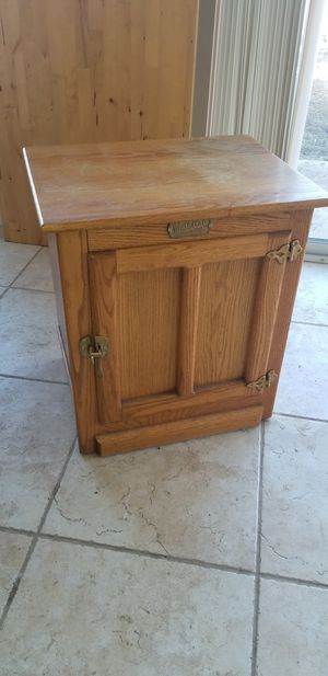 Antique wood End Table, white clad st louis for Sale in Lakewood, CO