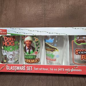 National lampoon's Christmas Vacation Pint Glasses for Sale in Chandler, AZ