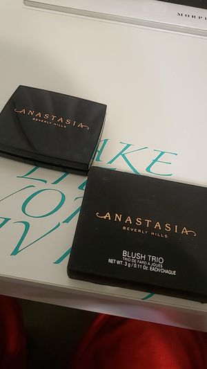 Anastasia Beverly Hills blush trio for Sale in San Bernardino, CA