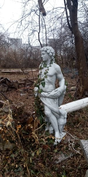 5ft. Roman Archer statue great for garden or pool side.Cement very heavy for Sale in Saginaw, MI