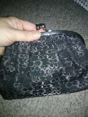 🌼Coach Wristlet Kisslock LARGE Clutch Wallet Sparkly for Sale in Schaumburg, IL