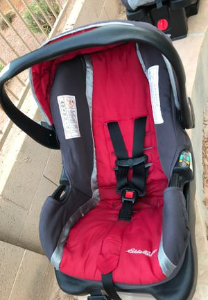 Car seat with vase for Sale in Avondale, AZ