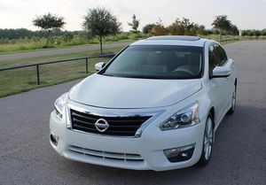 Nissan Altima 2O12 for Sale in Frederick, MD