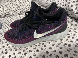 NIKE Flyknit Lunarepic Low 2 Men's Running purple Size 11.5 new for Sale in Miami, FL