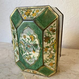 Green English Vintage Tin for Sale in Ontario, CA