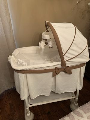 Bassinet for Sale in Staten Island, NY