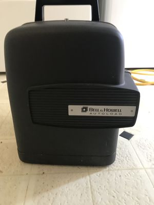 8mm projector Bell and Howell 356a for Sale in Los Angeles, CA