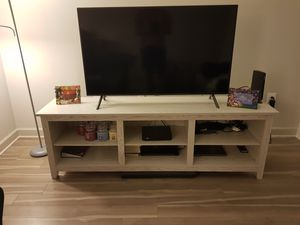 Samsung 7 Series 50 inch UHD smart Tv and TV stand for Sale in Tysons, VA