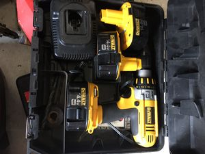 Dewalt 14.4 volt cordless drill set with 2 battery's for Sale in Kansas City, MO