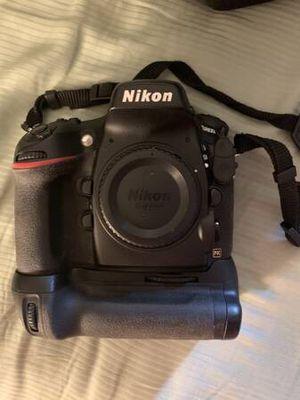 Nikon D800 Camera w/MB-D12, accessories, and box for Sale in Fox River Grove, IL