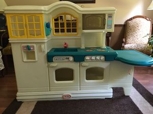 Little Tikes country kitchen – vintage for Sale in Durham, NC