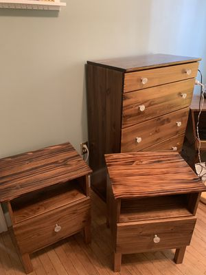 Matching dresser and 2 nightstands - great condition! for Sale in Seattle, WA