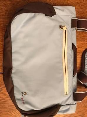 Sherpa I Messenger Bag for Sale in Bensenville, IL