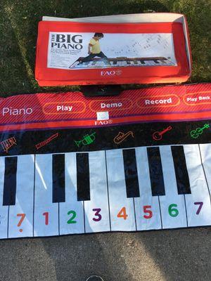 Big piano!! for Sale in Denver, CO
