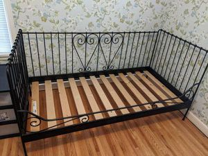 Black Twin Size Day Bed in Great Condition! $140 with free delivery for Sale in Saint Paul, MN