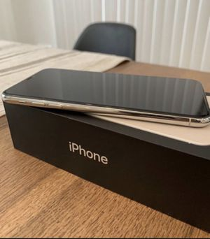 iPhone 11 Pro Max 64gb for Sale in Baltimore, MD