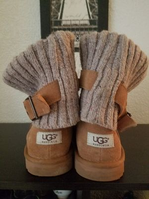 UGG Women's Cambridge Boots - size 9 for Sale in Austin, TX