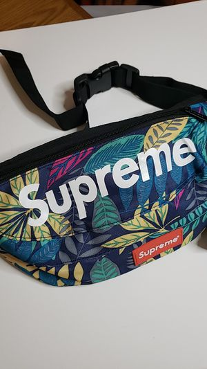 Supreme fanny pack tropical design for Sale in Hialeah, FL
