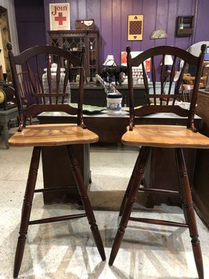 Pair of Wooden bar stools. Excellent shape for Sale in Frederick, MD