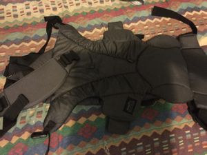Baby's gray backpack carrier for Sale in Tampa, FL