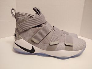 Men's Nike LeBron Soldier XI TB Promo Basketball Shoes Grey White 943155 001 Sz 15.5 for Sale in Raleigh, NC