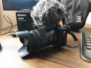 Sony A6400 DSLR Camera/4K Video 18-135mm Lens/Filters/3-Batteries, Movo Mic for Sale in Portland, OR