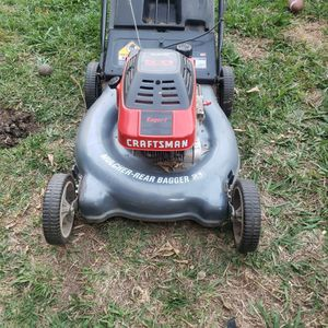 Lawn Mower for Sale in Commerce, CA