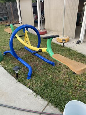 Tittty totter is in excellent condition for Sale in Elverta, CA