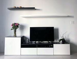 TV stand with shelves for Sale in Miami, FL